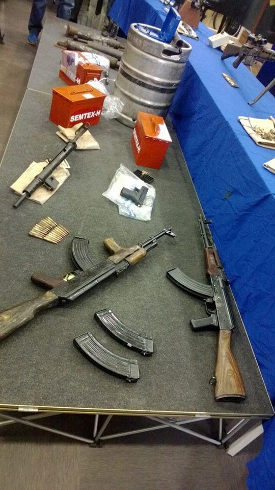 Irish police show off recent IRA weapons seizures, beer keg bomb