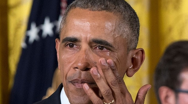 Obama seen to wipe away tears during speech on gun control