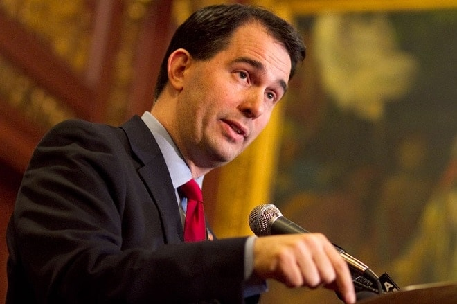 Walker asks Wisconsin AG to fight Obama gun orders
