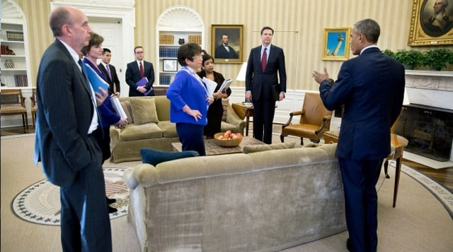President Obama, left, meet with his Attorney General, head of the FBI, and other key figures in his administration on gun control executive actions on Jan. 4, 2016. (Photo: White House)