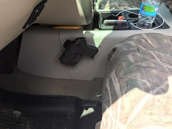 Alabama sheriffs line up against guns in cars bill