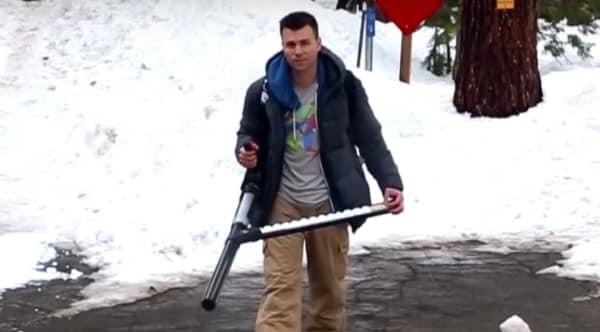 We give you the Snowball Machine Gun (VIDEO)