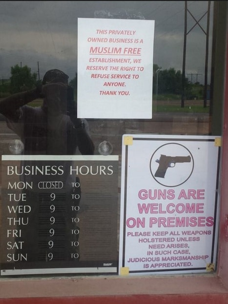 """A sign displayed by an Oklahoma gun range, declaring the business premises as """"Muslim Free."""" (Photo: CAIR)"""