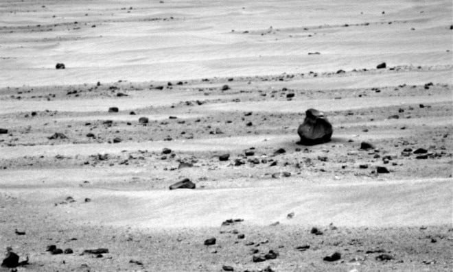 Glock Perfection: UFO enthusiasts spot glocky object on Mars