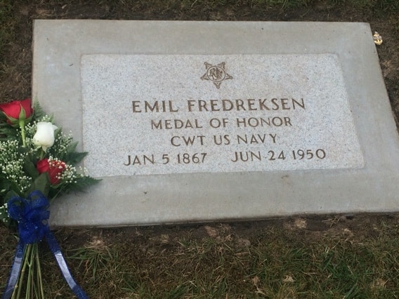 (Photo: Find A Grave) https://www.findagrave.com/cgi-bin/fg.cgi?page=pv&GRid=66822441&PIpi=137405803