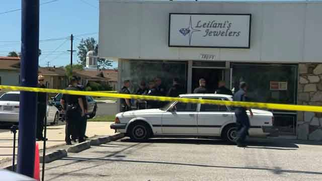 scene photo of Torrance robbery at leilanis jewelers
