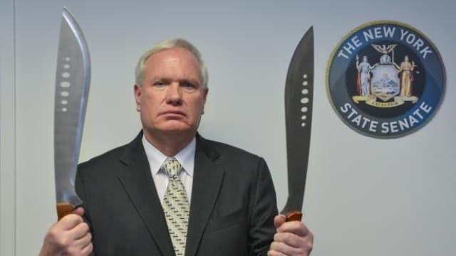 New York Senate passes machete criminalization measure