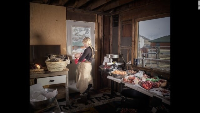 The Montana 'gleaners' who leave nothing to waste on the edge of Yellowstone (5 PHOTOS) (5)