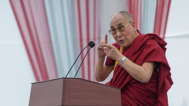 The.Dalai.Lama.goes.tactical.kinda