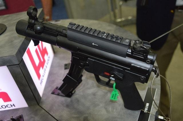 Up close on the HK SP5K semi-auto pistol (5 PHOTOS)