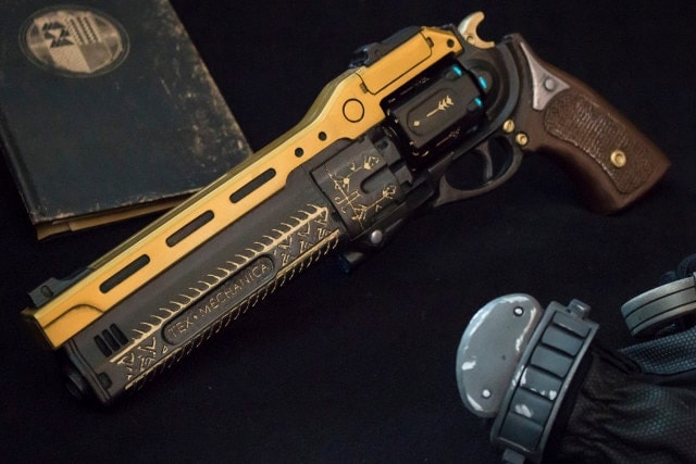 Turning online Destiny weaponry into something more tangible (8 PHOTOS)