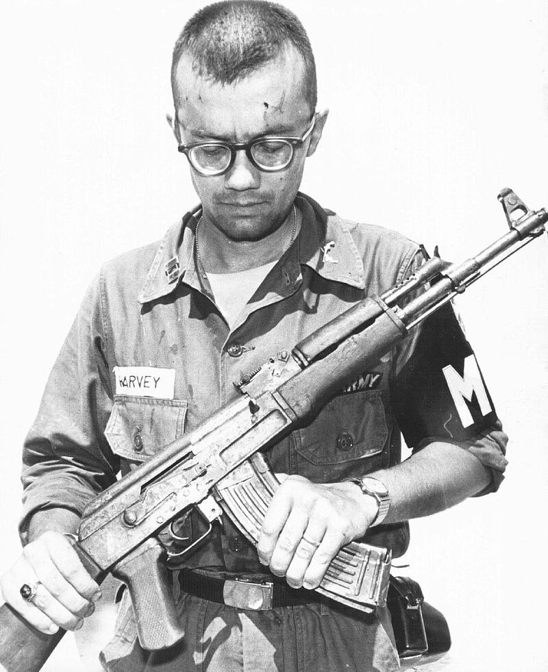 A U.S. Army M.P inspects a Chinese AK-47 recovered in Vietnam in 1968. (Photo: Wiki)