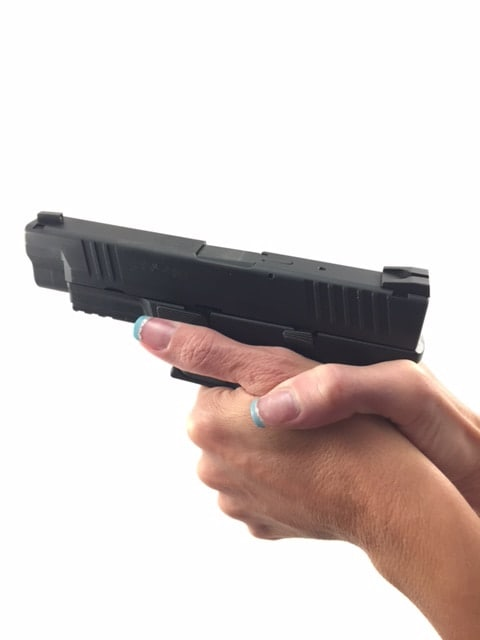 good-grip_my-wife_thumb-away-from-slide-lock