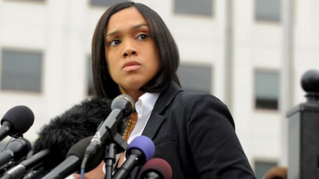 Charges dropped against remaining officers in Freddie Gray case