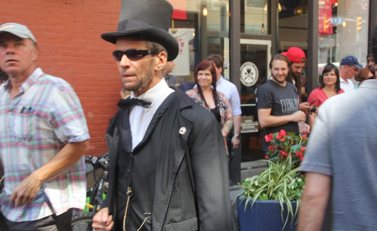 People shout at this Abraham Lincoln lookalike -- and he'd respond by name.