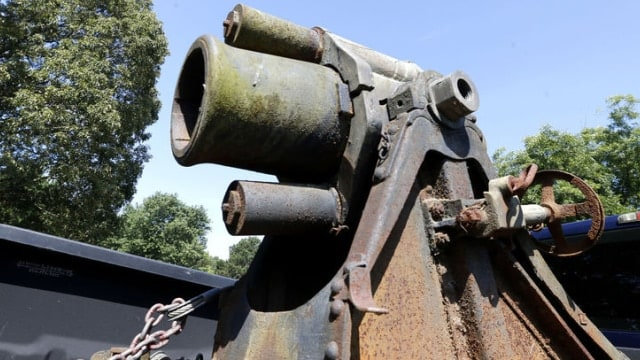 VA.National.Guard.rediscovers.Minenwerfer.after.50.years