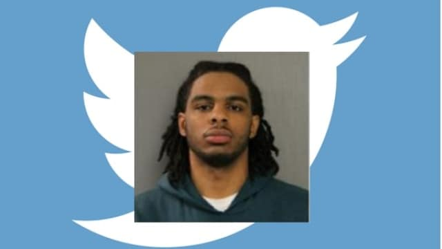 Chicago.man.with.defaced.revolver.live.tweets.police.chase.hiding.spot