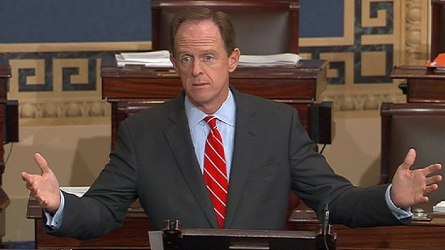 Gun.control.advocates.endorse.GOP.s.Toomey.and.Kirk.in.Senate.000.races