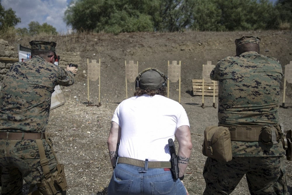 instructor-zero-surfaces-with-u-s-marines-in-italy-video4