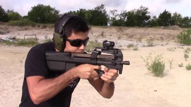armes que vous ne pouvez pas avoir  Select.fire_.FN_.P90TR.5.7x28.review.I.love_.this_.gun_..VIDEO_