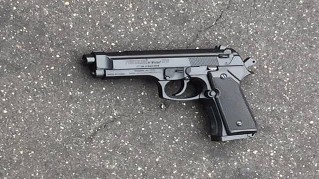 The replica gun police say Dedric Colvin was carrying at the time he was shot (Photo: New York Daily News)