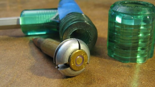 An RCBS kinetic bullet puller device.
