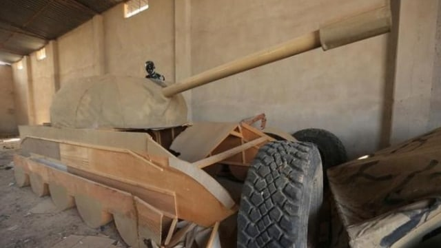 IS forces using dummy tanks and replica hummers as decoys
