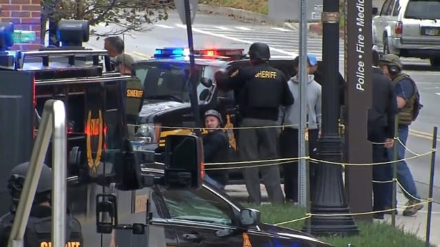 Law enforcement personnel at Ohio State campus during an active shooter incident Monday. (Photo: CNN)