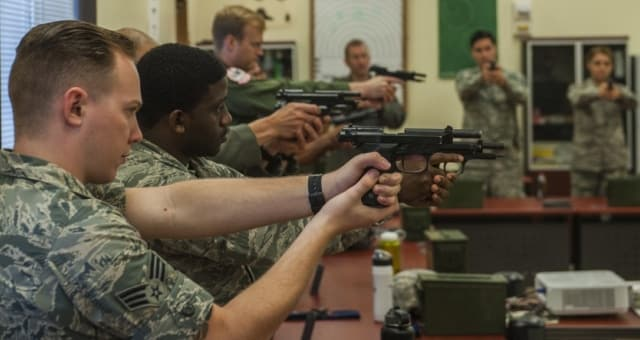 Pentagon plan to allow service members to carry personal guns released