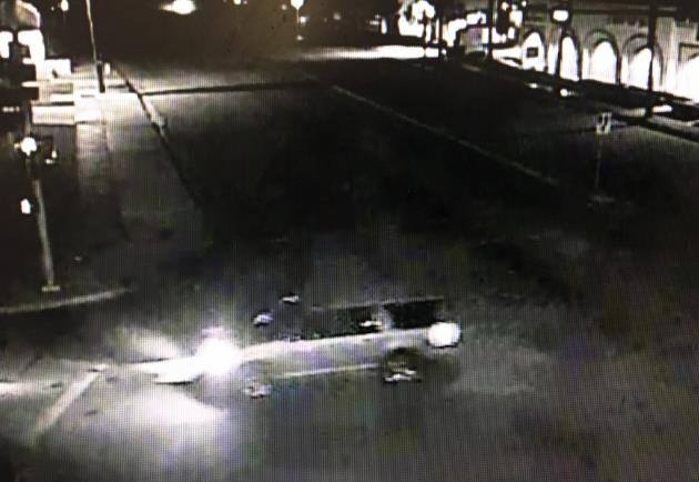 Check out the dark-colored SUV with chrome spoke rims. (Photo: Redland Police Department)