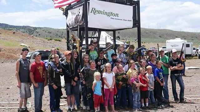 Remington loves the kids. (Photo: Remington/Facebook)