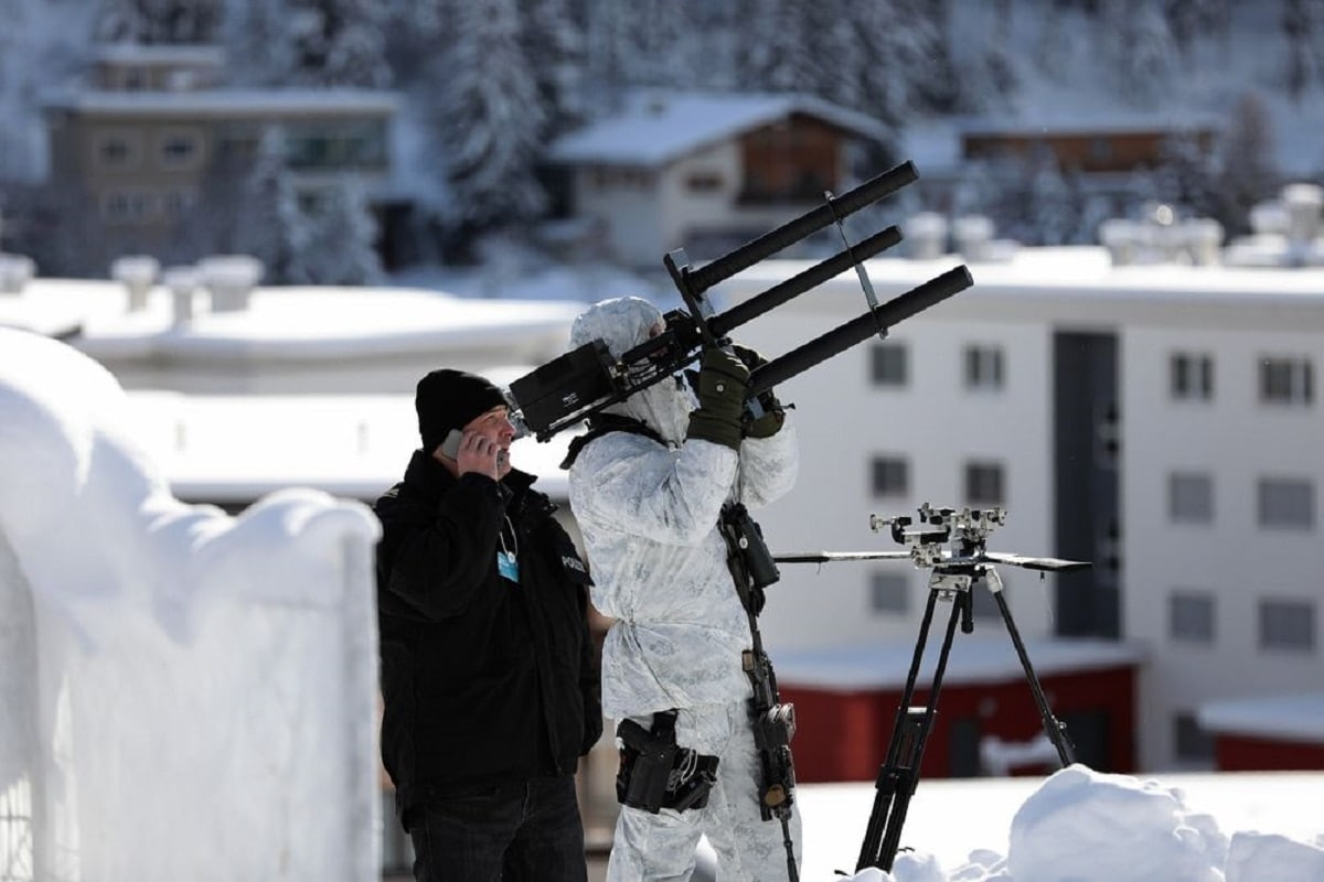 Swiss security officers test anti-drone guns at the World Economic Forum (Photo: Bloomberg)