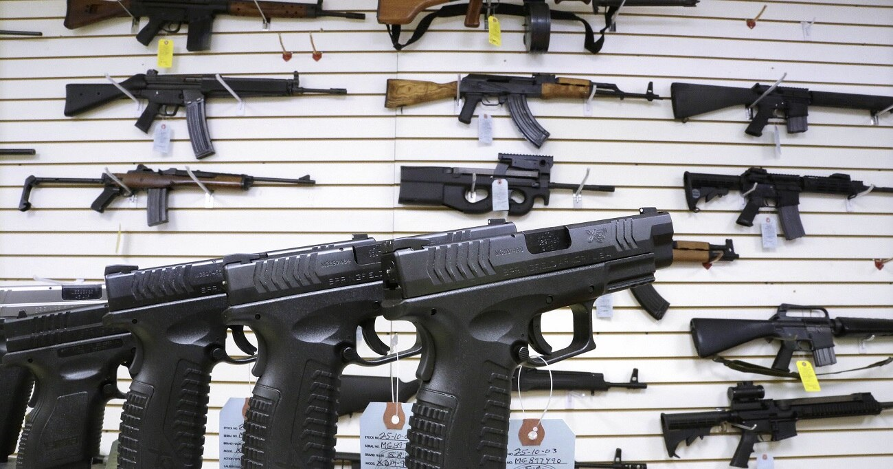 Washington bill would require gun dealers to report failed background checks (Photo: USA Today)