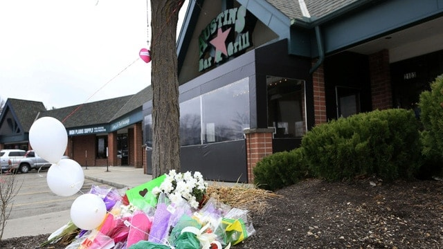 A small memorial for Srinivas Kuchibhotla is displayed outside Austins Bar and Grill in Olathe, Kan., on Feb. 24, 2017.(Photo: Orlin Wagner, AP)