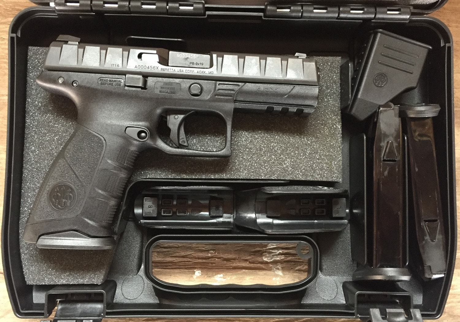 Off the shelf, the APX comes with two 17-round magazines, two interchangeable grips and a mag loader. (Photo: Daniel Terrill/Guns.com)
