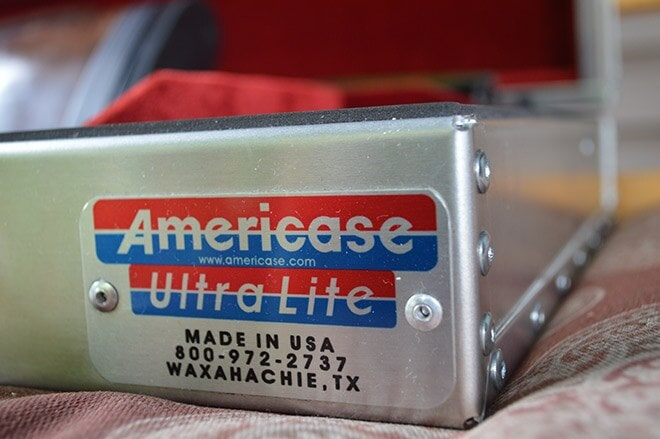 Americase_Ultralight_included_houses_the_set