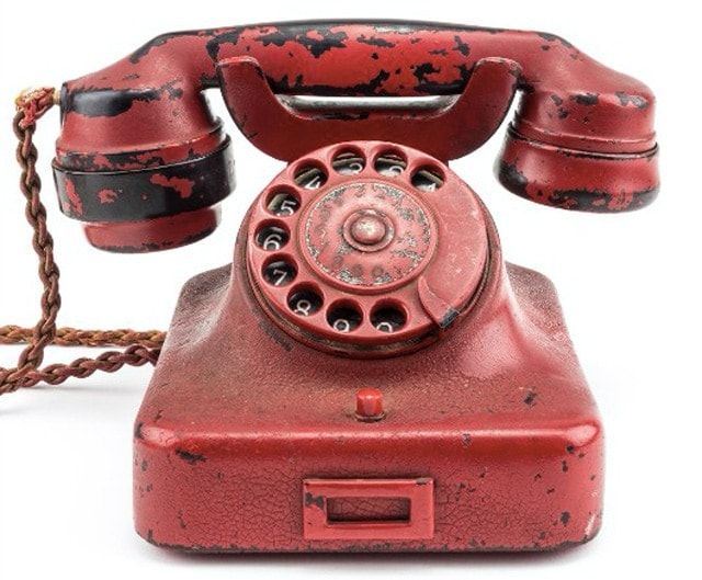 Hitlers red telephone