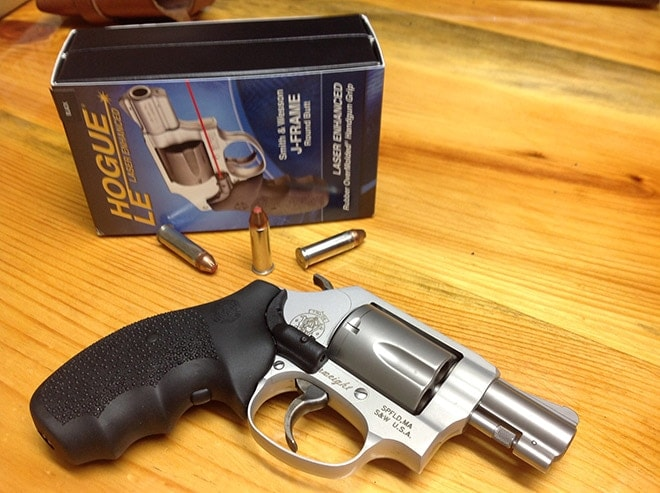 hogue_grips_mounted_with_packaging_in_background