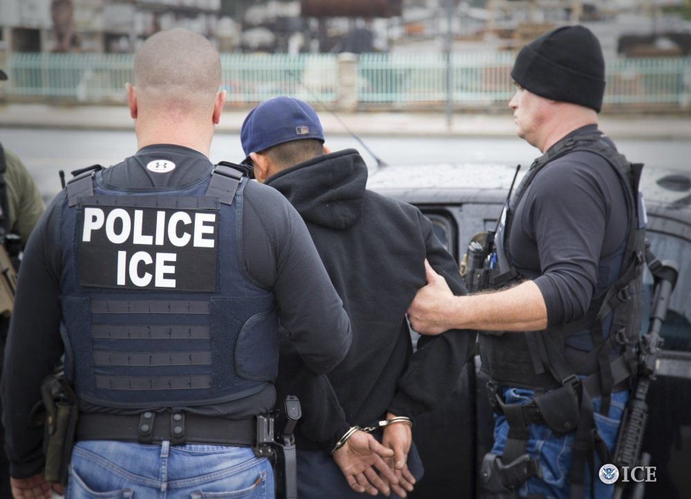 ICE officers arrested nearly 680 people in last week's enforcement operations (Photo: Twitter)