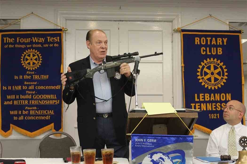 Rotarian and longtime Ruger employee Randell Pence speaks at a Rotary Club in Lebanon, Tennessee, in Sept. 2016 (Photo: Lebanon Democrat)