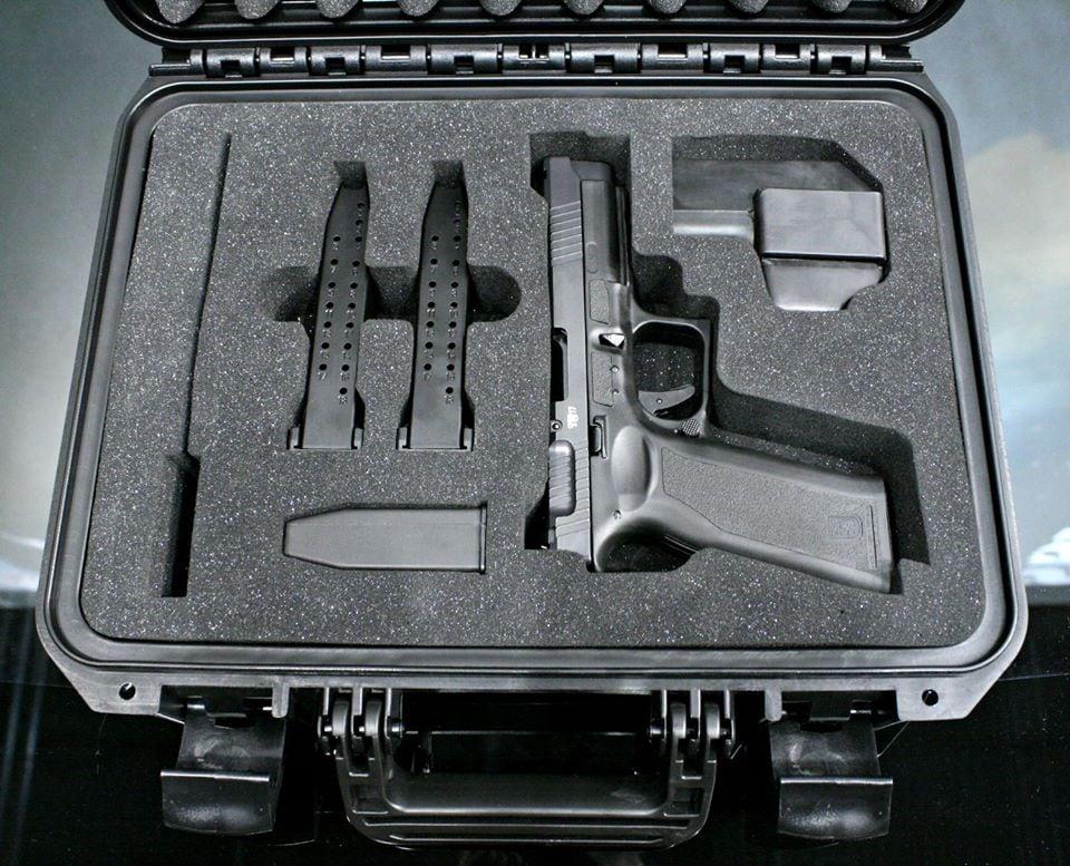 CzechPoint debuts $400 vz. 15 pistol (PHOTOS)b