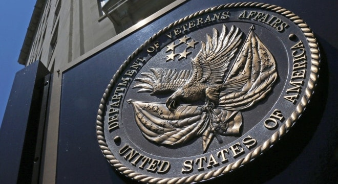 The seal affixed to the front of the Department of Veterans Affairs building in Washington. (Photo: Charles Dharapak/AP)