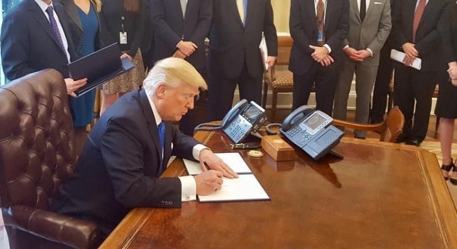 Republican President Donald Trump signed a repeal of the Social Security Administration rule on record submission to the FBI for some disability recipients. (Photo: Whitehouse.gov)