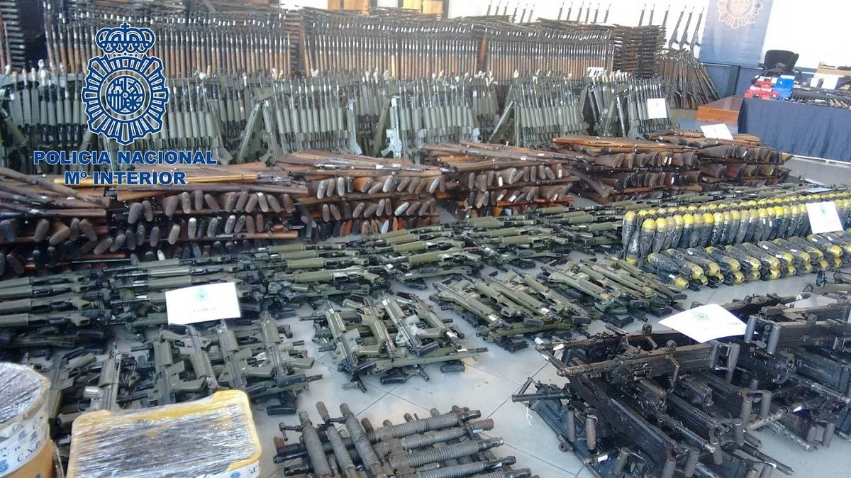 Thousands of firearms recovered by Spanish national police (Photo: Policia Nacional)