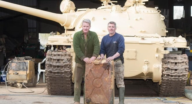The reason why there is no gold in this picture is that the tank owner called the police who came round to collect the found gold. (Photo: The Sun)
