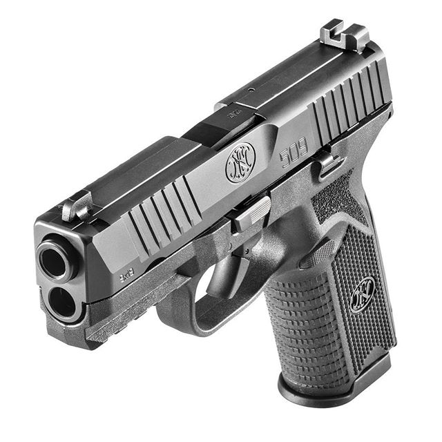 The new striker-fired FN 509 is based on the FNS but had been re-profiled and beefed up (Photo: FN USA)