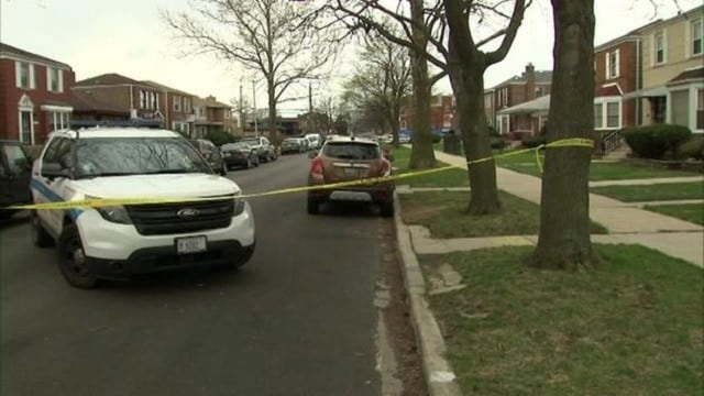 Chicago police work the scene where Cook County Judge Raymond Myles was shot and killed Monday, April 4, 2017 (Photo: WLS-TV)