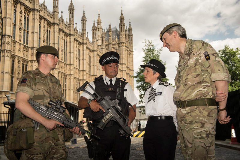 Major General Ben Bathhurst, General Officer Commanding HQ London District (right), meets military personnel deployed in support of Police on operation Temperer at the Palace of Westminster with Metropolitan Police Commissioner Cressida Dick (Photo: MoD)