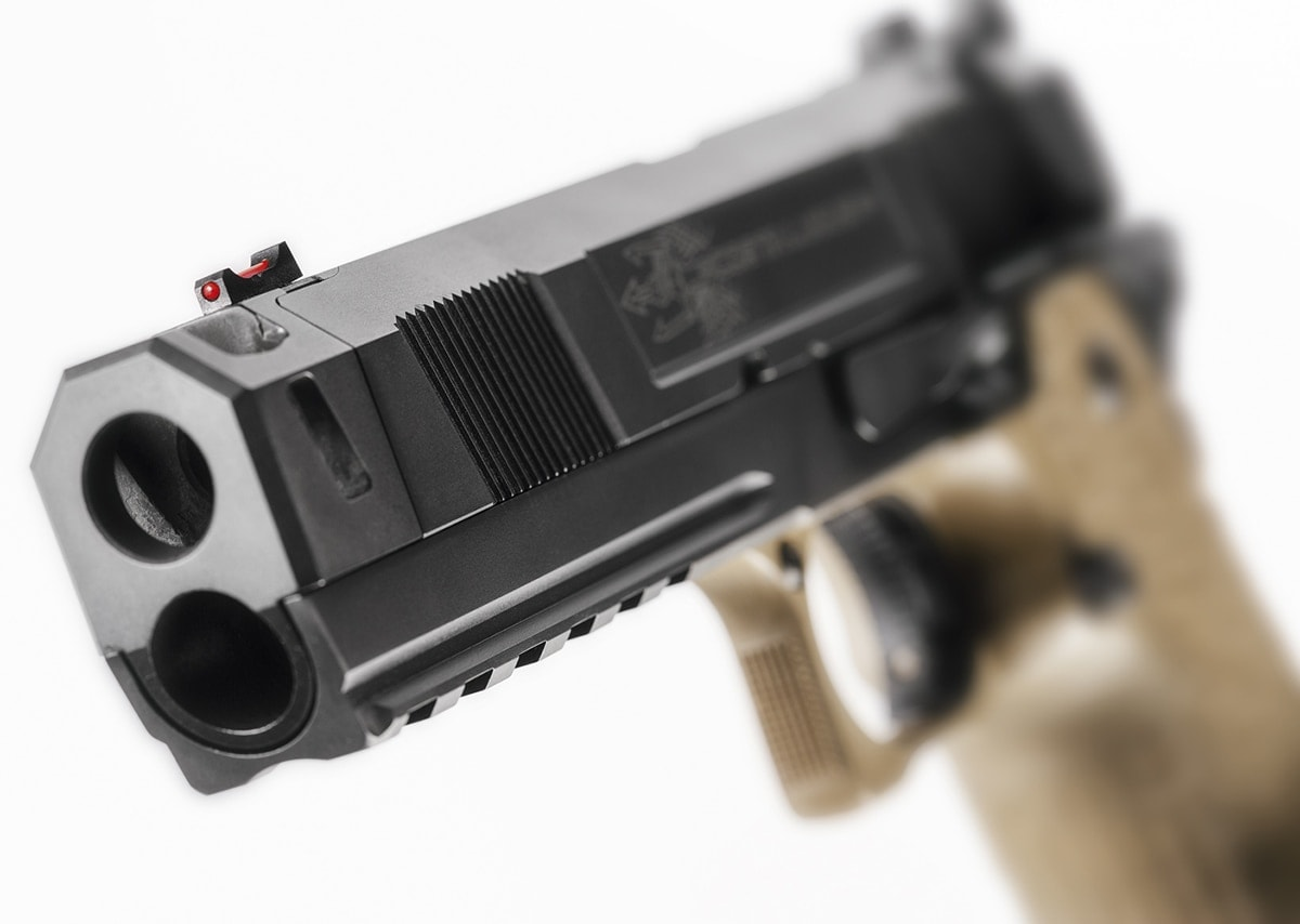 The Costa Carry Comp features a Picatinny under-rail for lights and laser mounting. (Photo: STI)