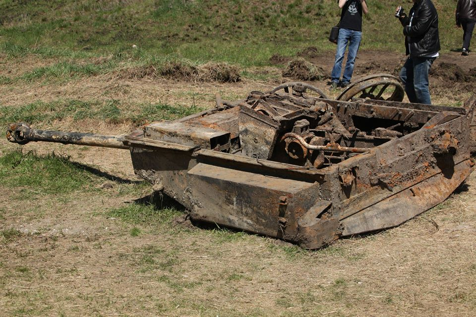 The compartment from the Stug. The things you find in Russia...